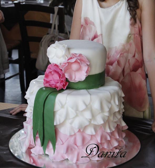 wedding cake per una comunione: storia di ordinaria follia di una cake design :-)