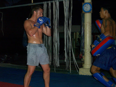 LEARN THE LETHAL  ART OF ( MUAYTHAI ) THE ART OF 8 LIMBS (Thailand 2006)