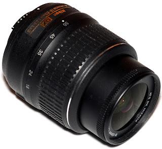 Nikon 18-55mm f/3.5-5.6G VR