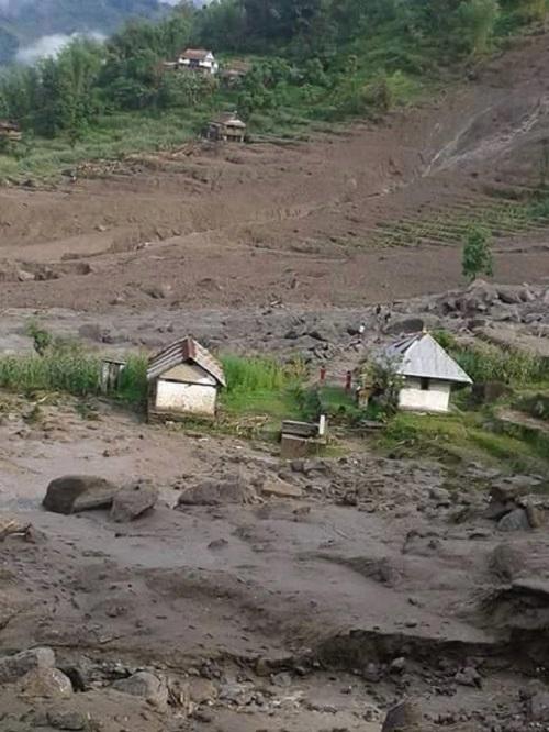 taplejung nepal landslide