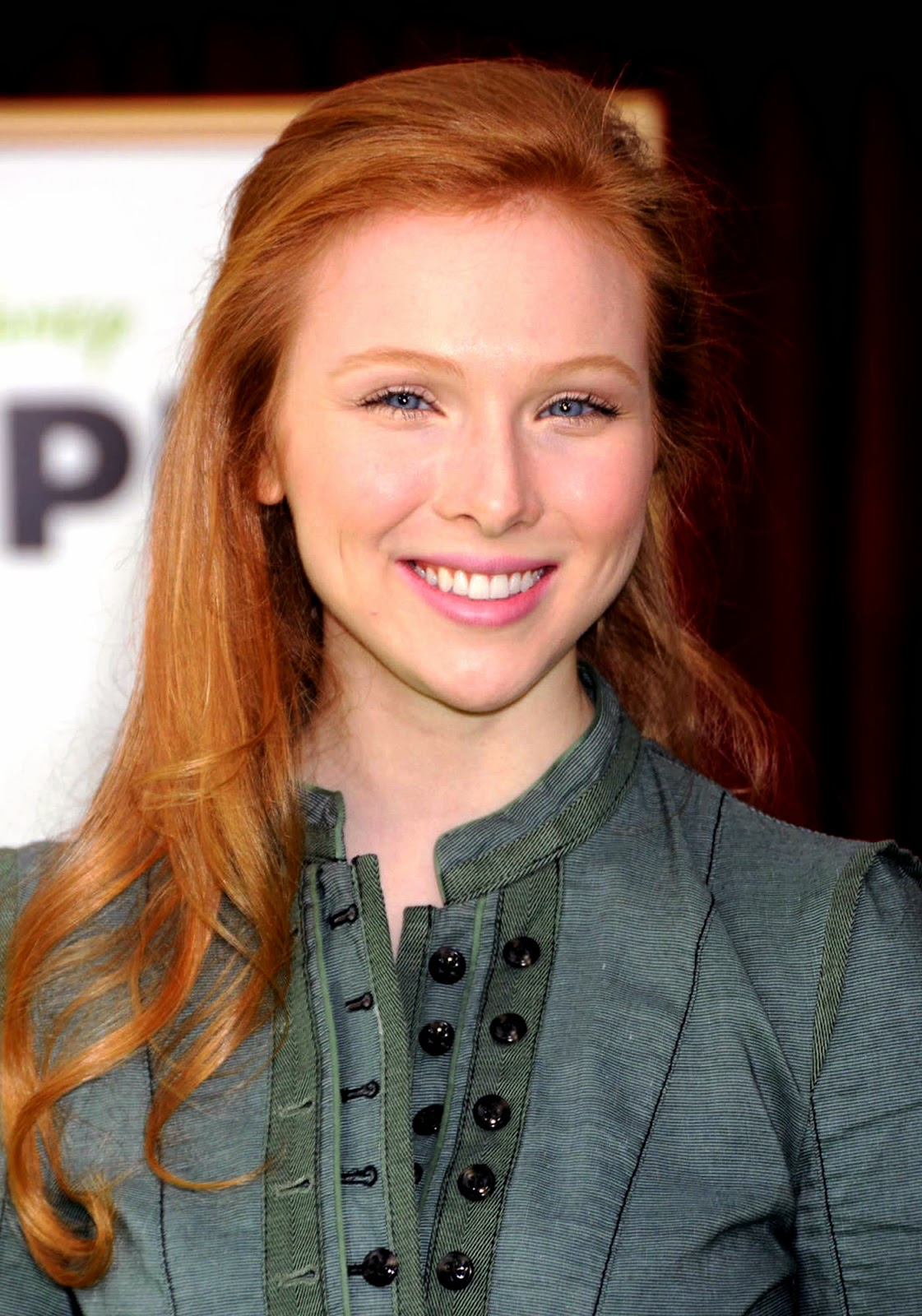 Twitter account  Molly QuinnMolly Quinn Steampunk