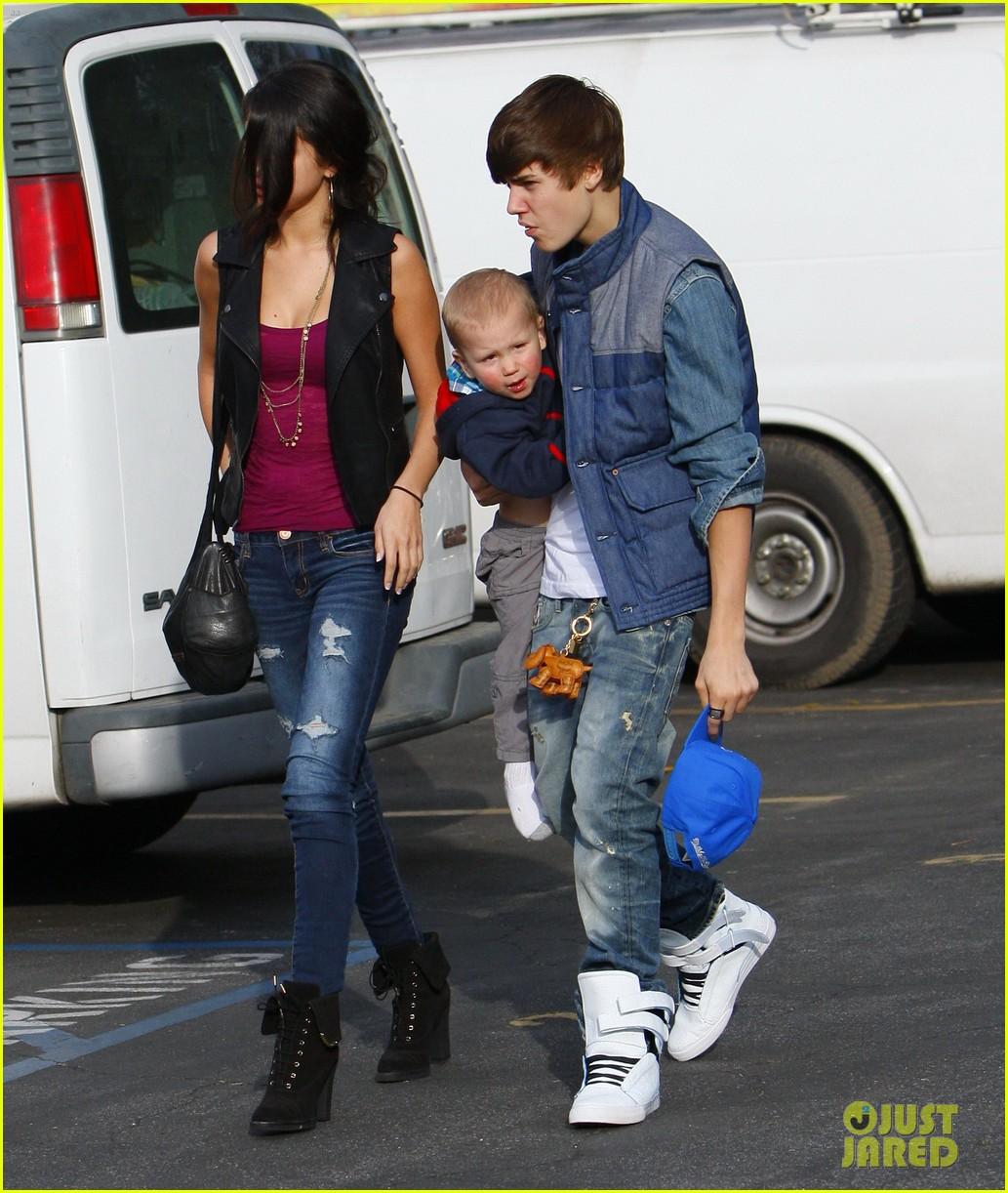 justin bieber with Selena Gomez 7