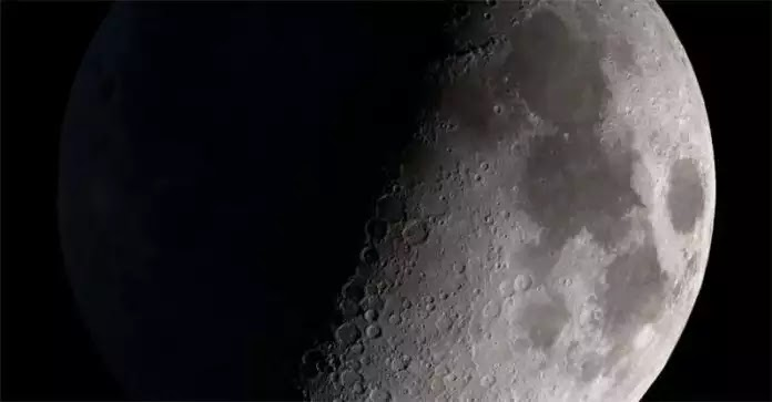 Γιατί η Κίνα ψάχνει στην «σκοτεινή πλευρά» της Σελήνης;