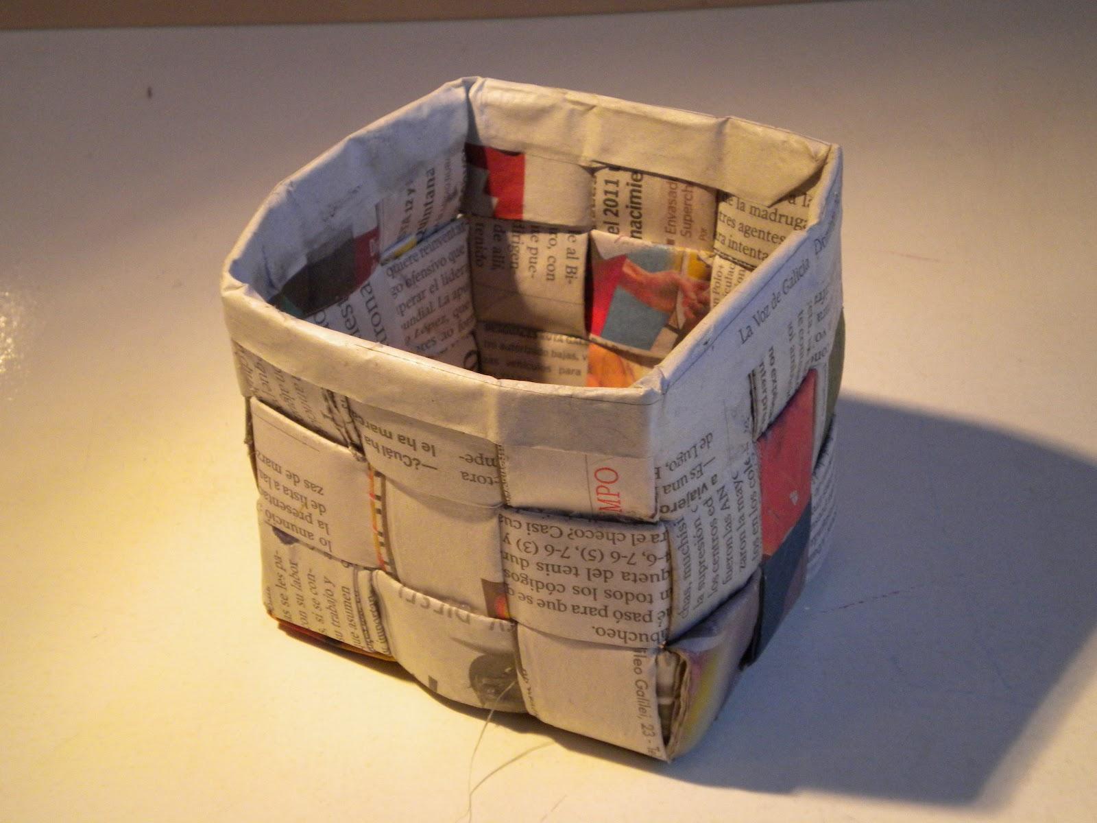 Miss crafts by almudena valiente atelier de sombreros - Cestas de papel periodico ...