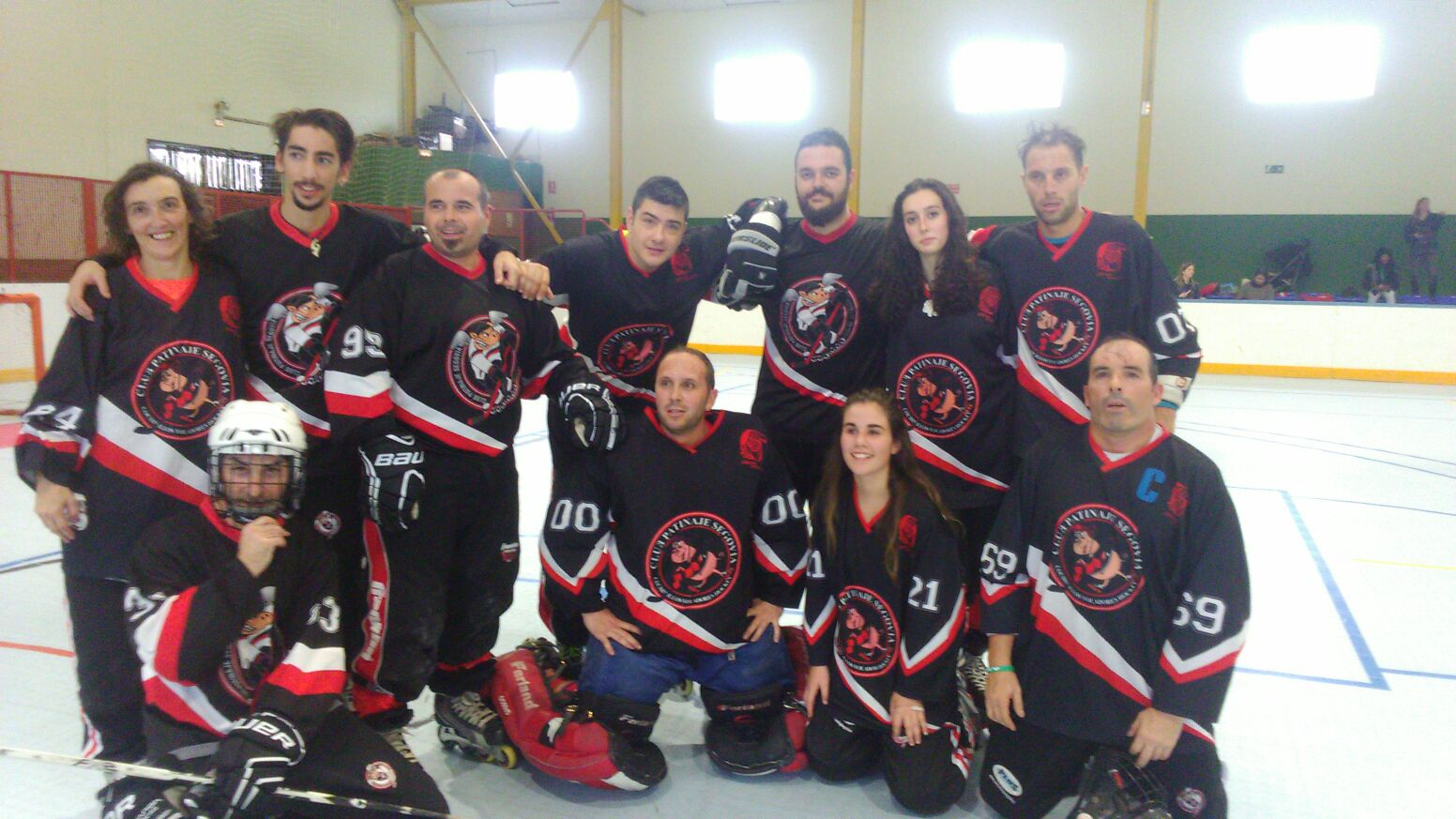 EQUIPO SENIOR HOCKEY LINEA