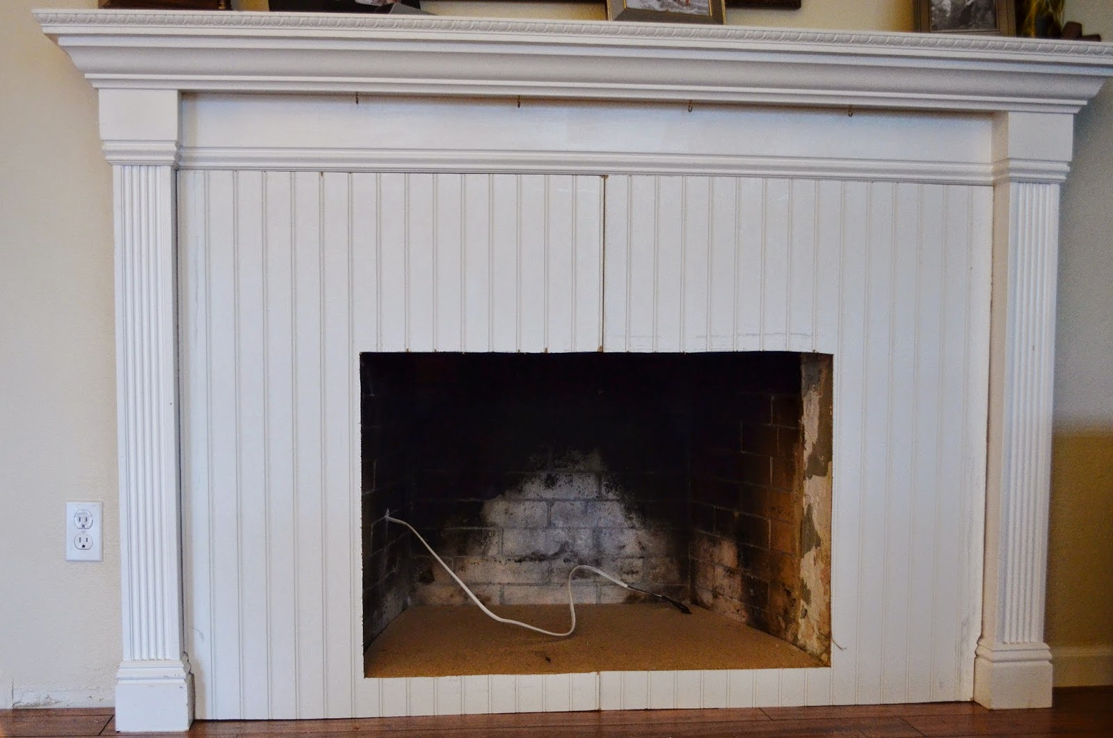 snugglebug university beadboard fireplace makeover