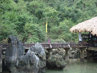 Cuevas de la Bahia de Halong