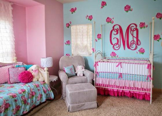 Cuarto de beb en rosa y turquesa colores en casa for Cuartos de nina color turquesa