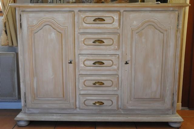 Bahut deux portes et cinq tiroirs