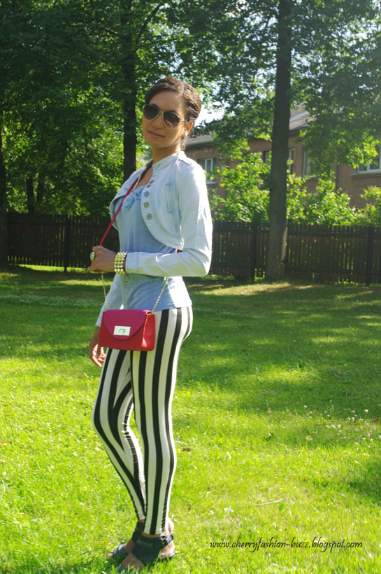 How to style striped leggings or jeans