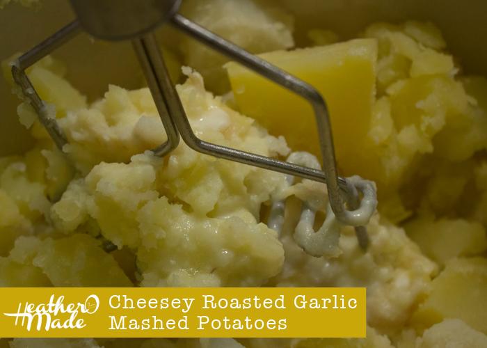 Cheesey Roasted Garlic Mashed Potatoes. recipe.
