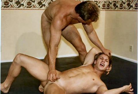 Guys naked in pain members elisha cuthbert