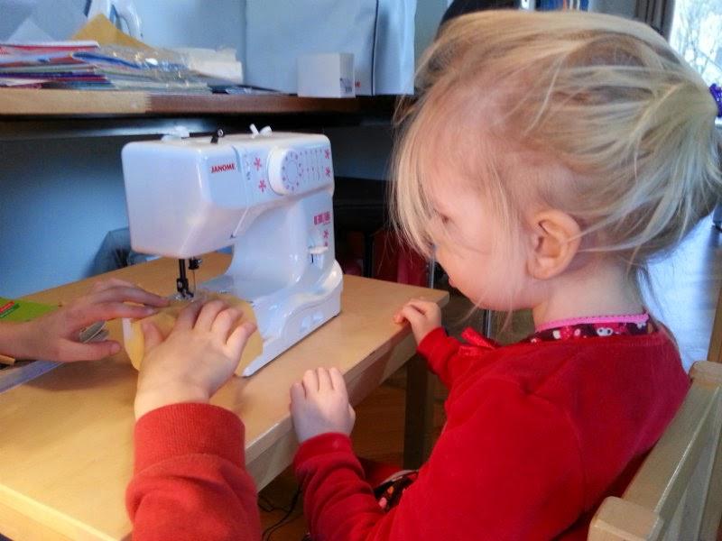 uitleg kindernaaimachine Janome