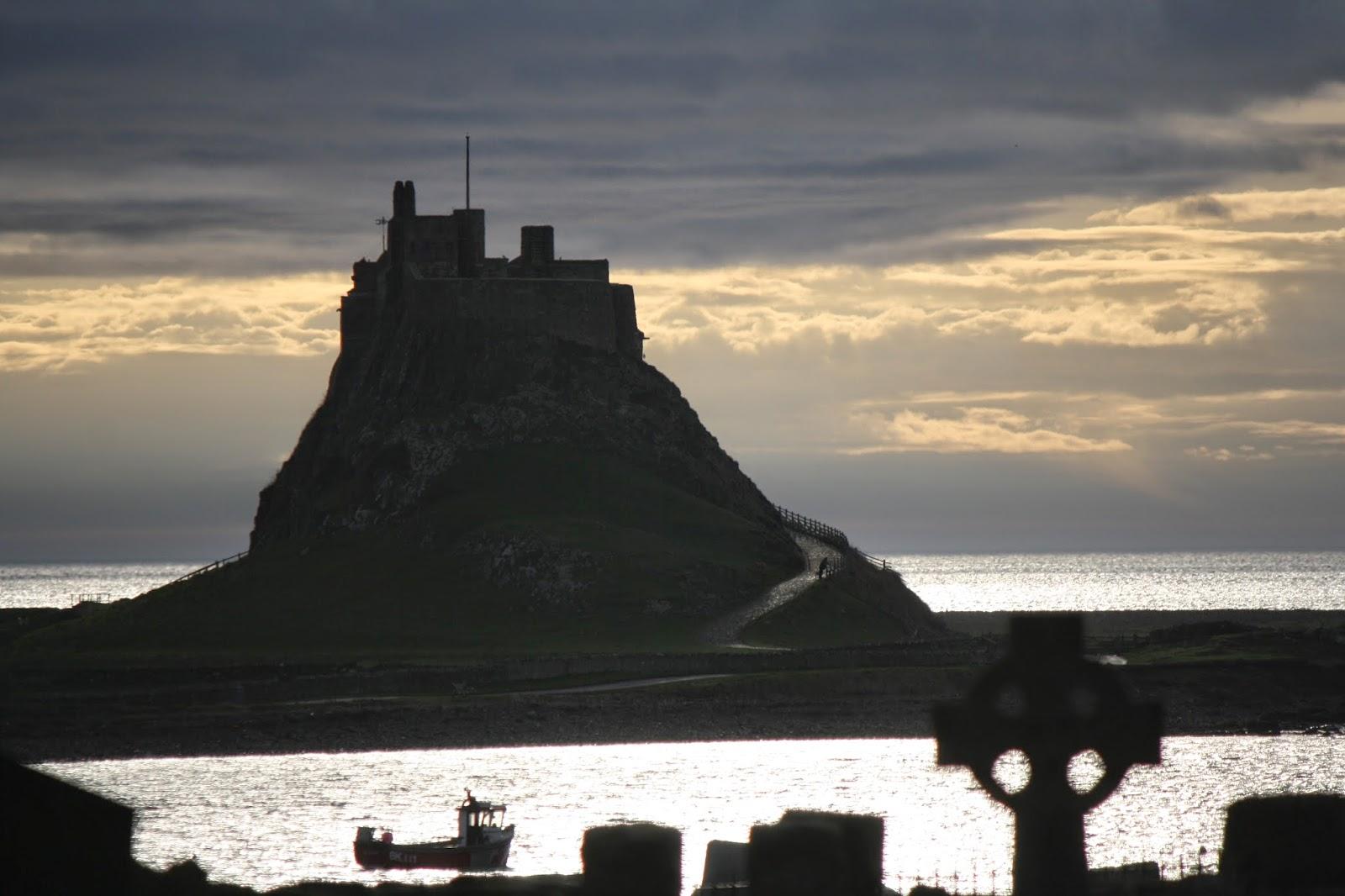 Lindisfarne+castle.jpg