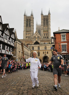 Next London Olympics 2012 : Olympic Flame Visit Lincoln Cathedral