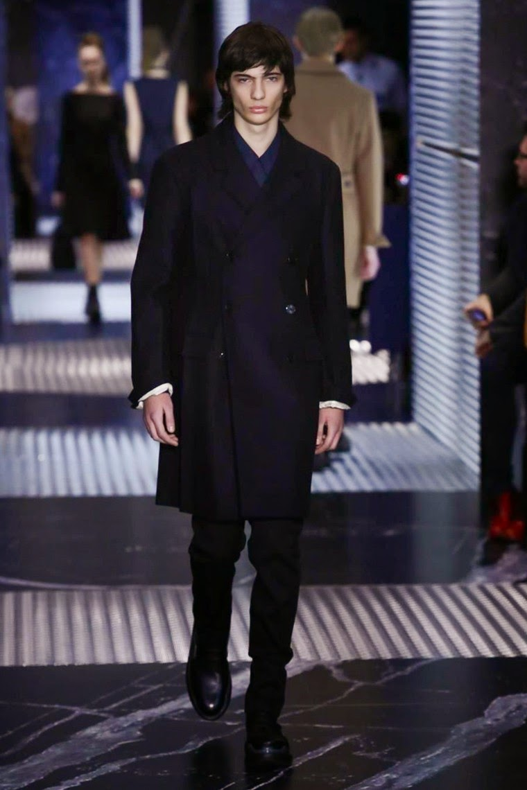 Prada AW15, Prada FW15, Prada Fall Winter 2015, Prada Autumn Winter 2015, Prada, du dessin aux podiums, dudessinauxpodiums, MFW, Pitti Uomo, mode homme, menswear, habits, prêt-à-porter, tendance fashion, blog mode homme, magazine mode homme, site mode homme, conseil mode homme, doudoune homme, veste homme, chemise homme, vintage look, dress to impress, dress for less, boho, unique vintage, alloy clothing, venus clothing, la moda, spring trends, tendance, tendance de mode, blog de mode, fashion blog, blog mode, mode paris, paris mode, fashion news, designer, fashion designer, moda in pelle, ross dress for less, fashion magazines, fashion blogs, mode a toi, revista de moda, vintage, vintage definition, vintage retro, top fashion, suits online, blog de moda, blog moda, ropa, blogs de moda, fashion tops, vetement tendance, fashion week, Milan Fashion Week