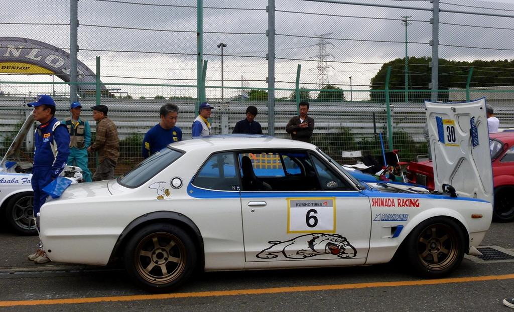 Nissan Skyline GT-R Hakosuka C10, kultowy samochód, z dusza, wyścigi, japońska motoryzacja, godzilla, jdm, fotki, galeria, sportowy