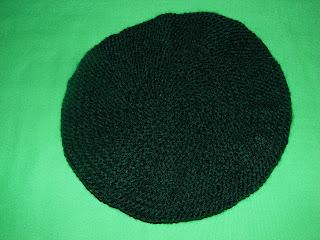 bereta handmade verde poza tricotata iarna 2012