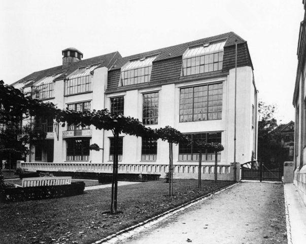 L 39 origine du design contemporain bauhaus dessau 1925 1933 for Origine architecture