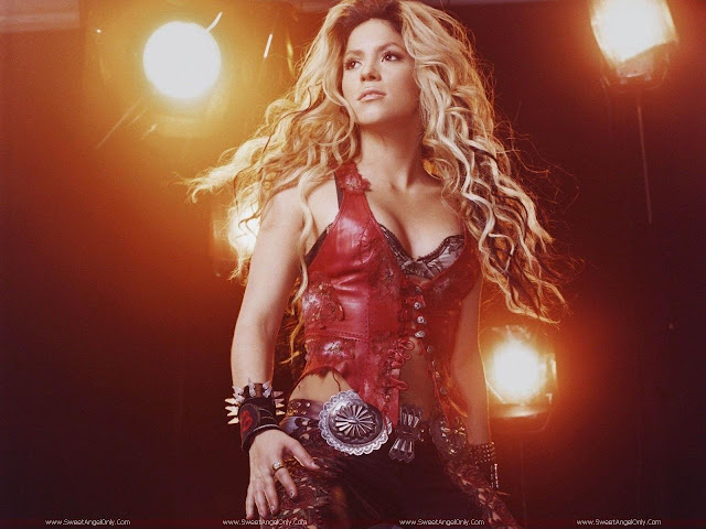 Shakira_performing_wallpaper
