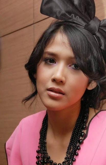 Foto Cewek Indo Tika Putri