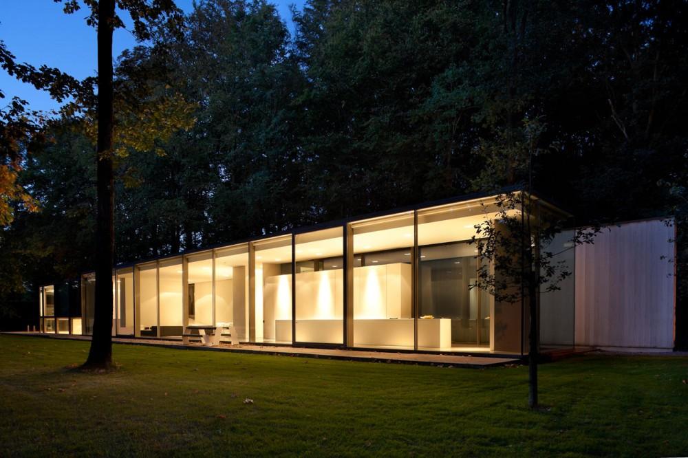 P t sz bels p t sz blog the minimalist glass box for Minimalist bungalow