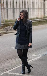 http://2.bp.blogspot.com/-qQhiyfTsZrg/ULhjycP9hyI/AAAAAAAADqs/n5JZnNlrj5A/s1600/Outfit+tweed+skirt%252Bdark+blue+knitted+sweater.jpg