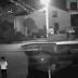 Mujer muere ahogada por ir mirando su celular