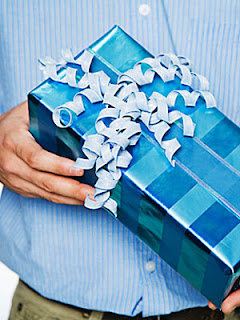 Birthday gifts for men - How to buy perfect men gifts on their birthdays