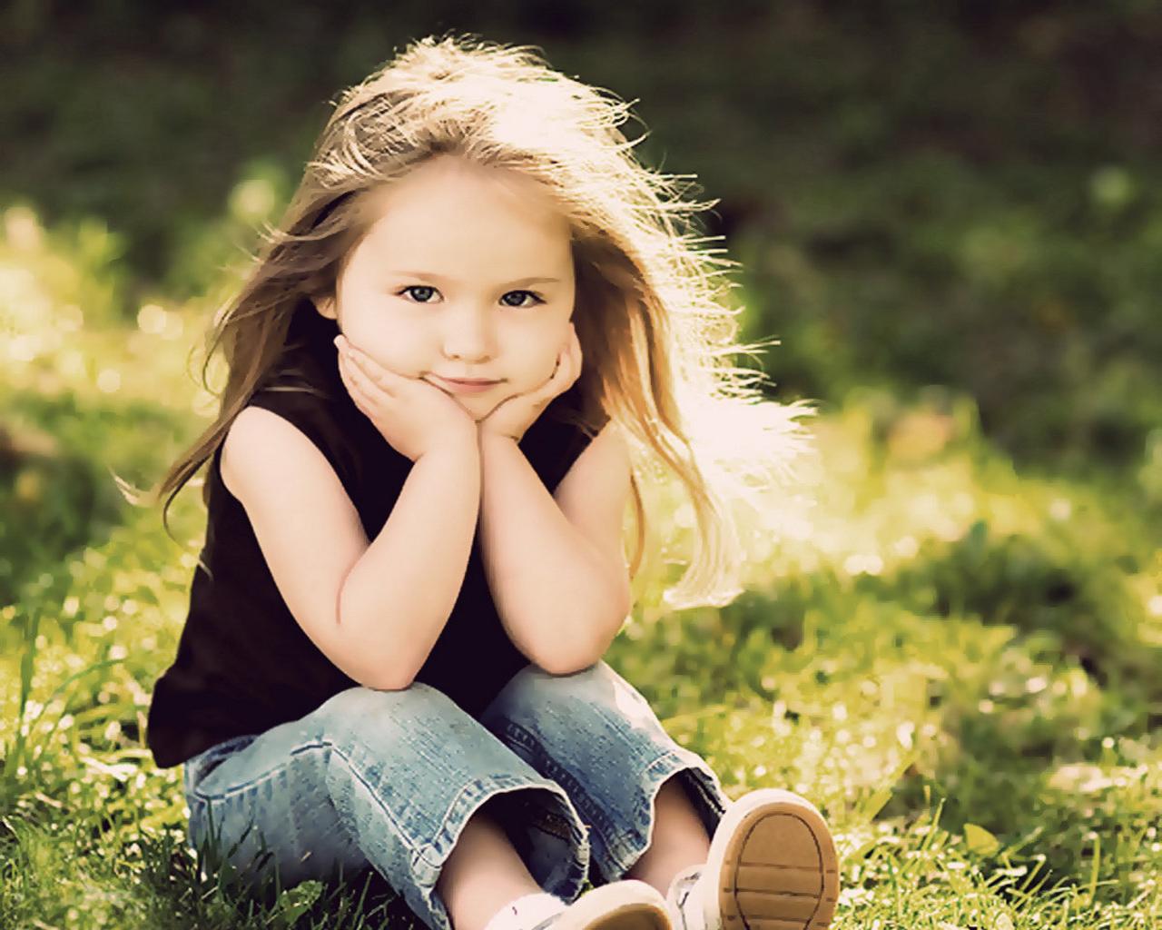sweet little girl on ground hd wallpaper cute little babies