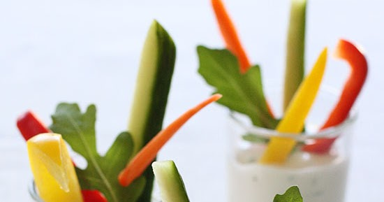 #Recipes: Veggie Shooters (Crudites with Skinny Ranch Dip)