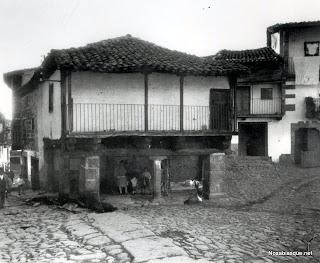 paza del Solano de Candelario Salamanca a principios de los años 60 del sglo veinte