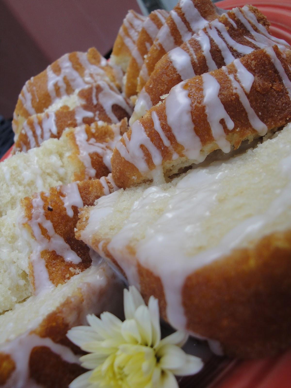 Squirrels-n-Sweets: Vanilla Buttermilk Pound Cake with Lemon Glaze