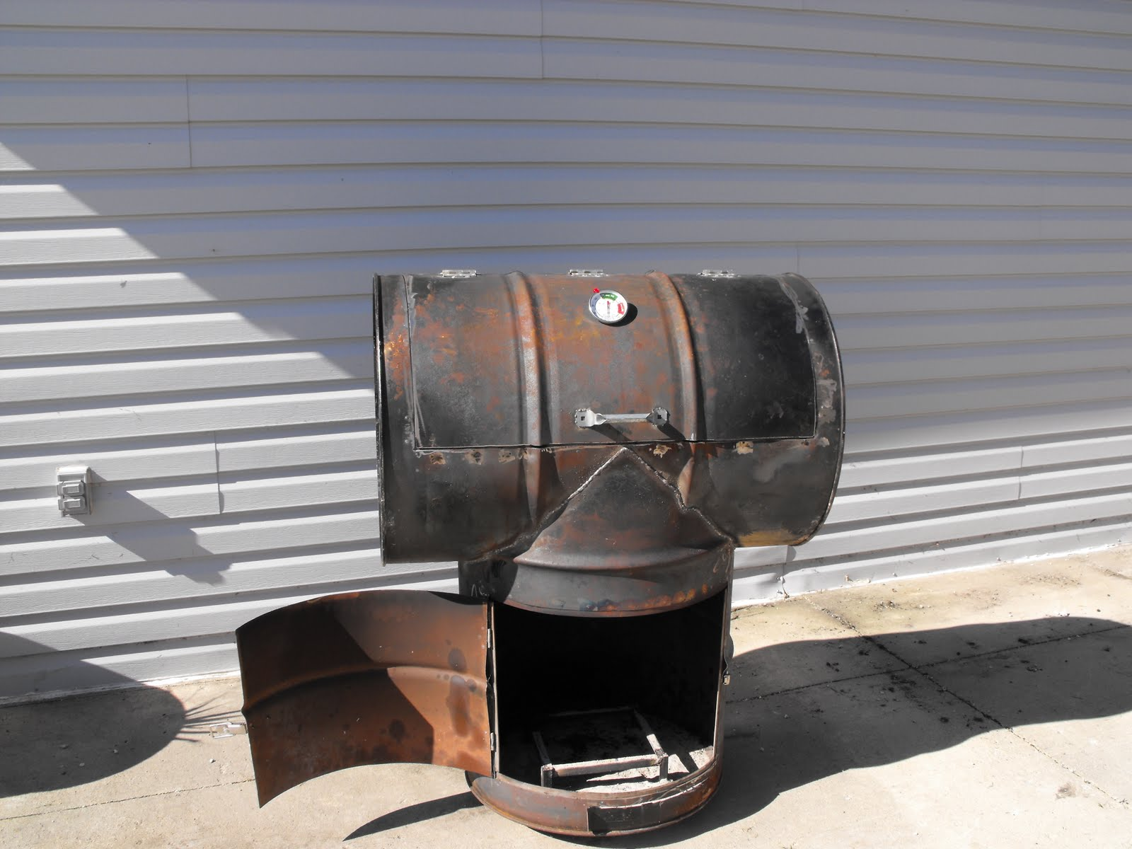 how to clean an electric smoker with mold