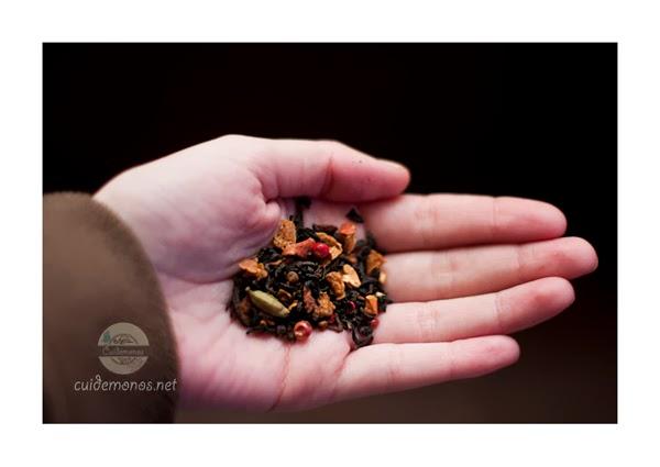 Té negro aromatizado con galleta de naranja