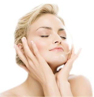 Cara Memilih Cream Pemutih Wajah dan Badan yang Aman Dipakai