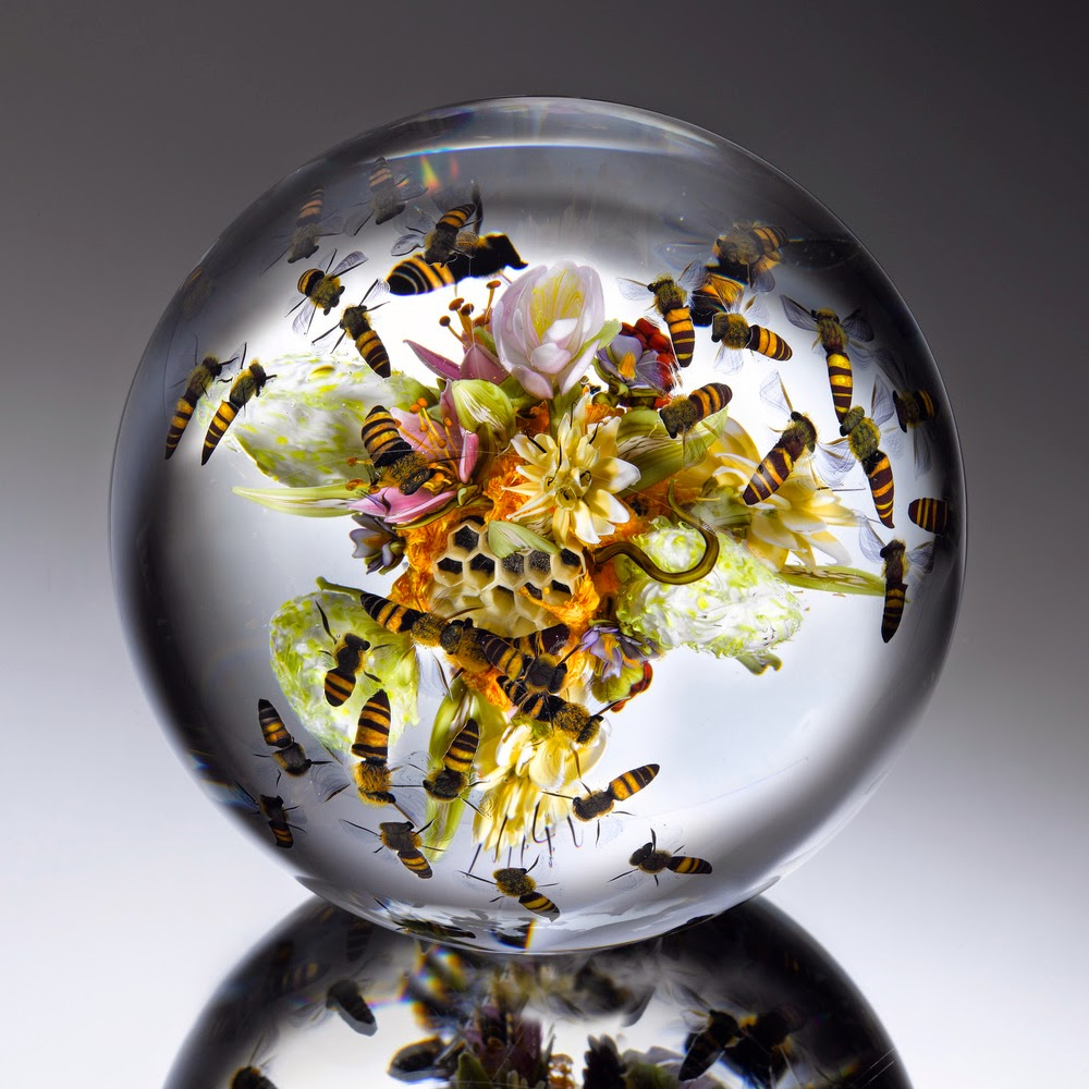 06-Flowers-&-Fruit-Honeybees-Paul-J-Stankard-Nature-in-a-Sculptured-Glass-Orb-www-designstack-co