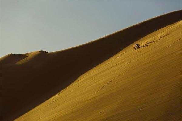 Kyle Jameson rides Namibia