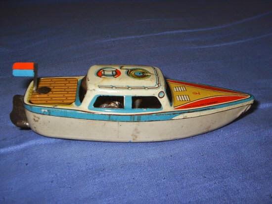 Tàu Hơi Nước Chạy Bằng Nến