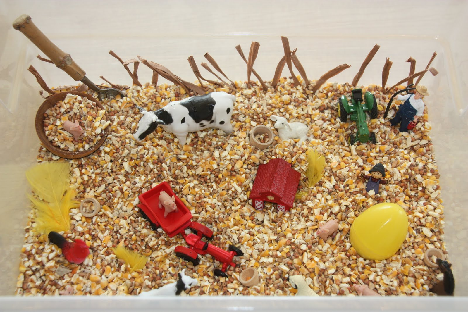 Farm Sensory Tub (Photo from Counting Coconuts)