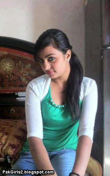 Hot pakistani college girls