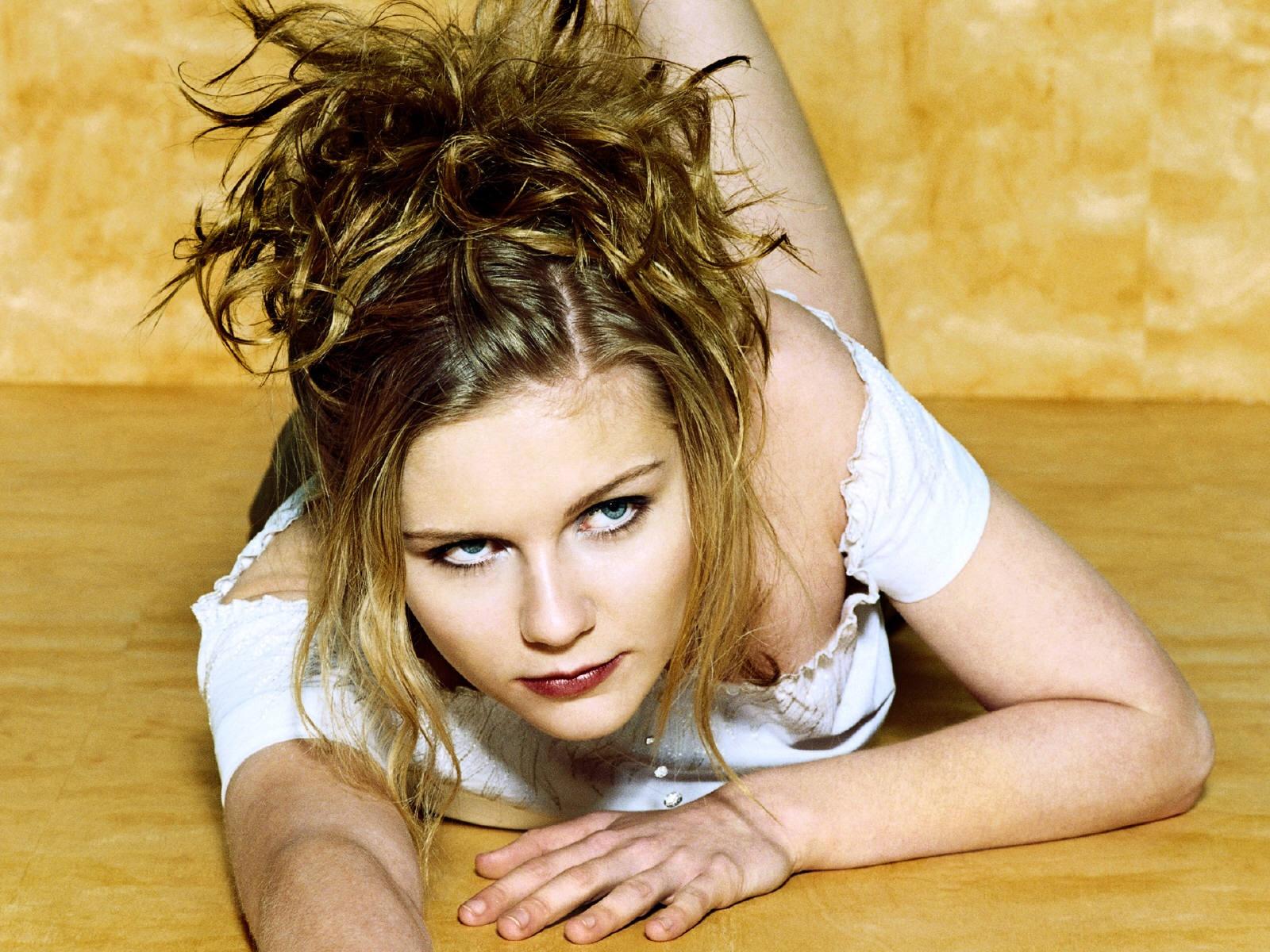 hot sexy beautiful celebrity kirsten dunst