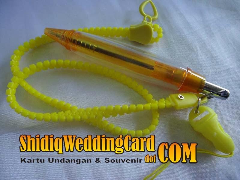 http://www.shidiqweddingcard.com/2014/02/souvenir-pulpen.html