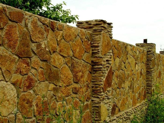 Забор из природного камня своими руками фото