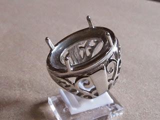 Ikatan Cincin Titanium