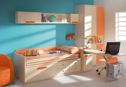 яркий дизайн маленькой комнаты для подростка фото