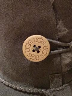 ugg button