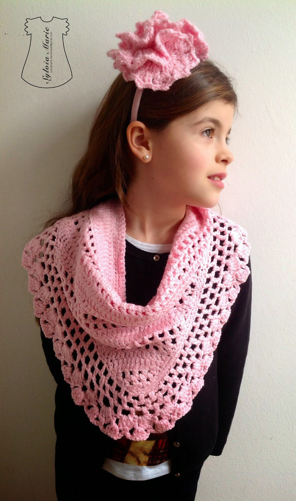 Schal y diadema con flor en color rosa