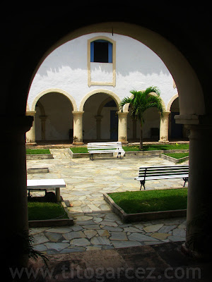 Claustro do Convento do Carmo, em São Cristóvão - Sergipe - Por Tito Garcez