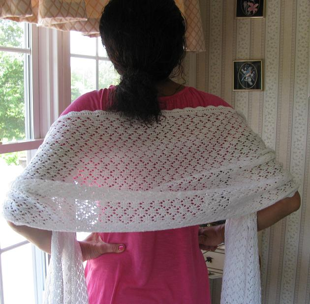 rr shawl Free pattern: sidewalk shawl by kimberley mcalindin this shawl is one of those pieces that will stop you in your tracks and make you say , whoa i gotta make that.